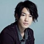 「カノジョは嘘を愛しすぎてる」の映画とドラマの主演佐藤健さん、「るろうに剣心」続編決まる。前田敦子さんをお姫様抱っこ。綾瀬はるかさんとは仲がいいけど彼女関係は?ブログも人気!