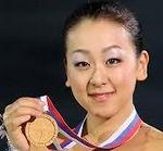 「そして、その瞬間へ」を出版した浅田真央さんNHK杯で優勝 「ノクターン」にあわせた演技は綺麗でした。  高橋大輔さんとは恋愛継続中? 長洲選手等の若手の躍進。