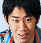 速報 香川真司さん、最近海外の評価が低くなりプレッシャーからなのか一時呼吸困難に!。移籍の噂はないですが、病状は気になりますね。