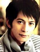 V6の岡田准一さん主演「永遠の0」興行は大盛況。来年は大河ドラマ「軍師官兵衛」で主演。仕事は順調プライベート、彼女は?
