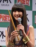 栗山千明さんと似てると話題のシシド・カフカ(28歳)さんがNHKドラマ主題を担当。曲名「我が儘」。