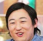 体ものまねで今旬のロバート 秋山さん嫁さんとの間に子供生まれる。 実はロバート秋山さんの父はレストランを経営し凄くかっこいいです!